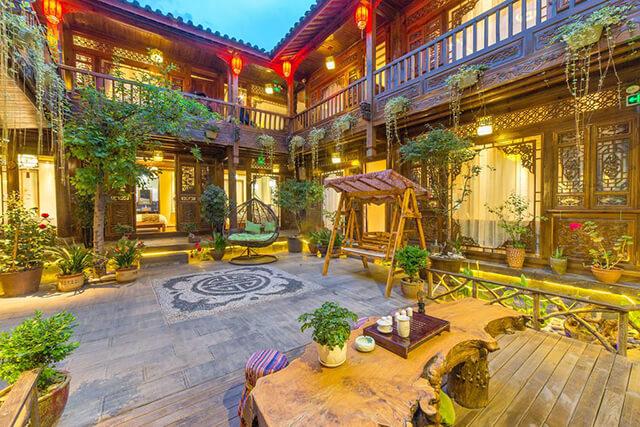 Các nhà nghỉ địa phương Inn mang lối kiến trúc cổ đặc trưng nhưng vẫn cung cấp đủ tiện nghi