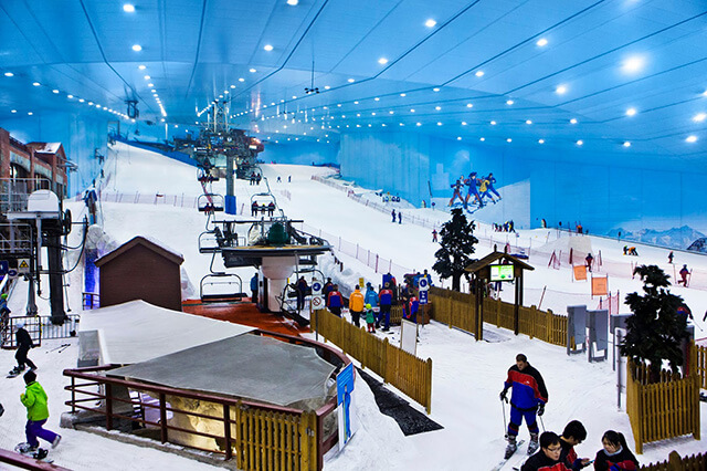 Khu trượt tuyết trong nhà lớn nhất thế giới Ski Dubai