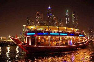 Khám phá du thuyền trên dòng sông Dhow khi đi tour du lịch Dubai