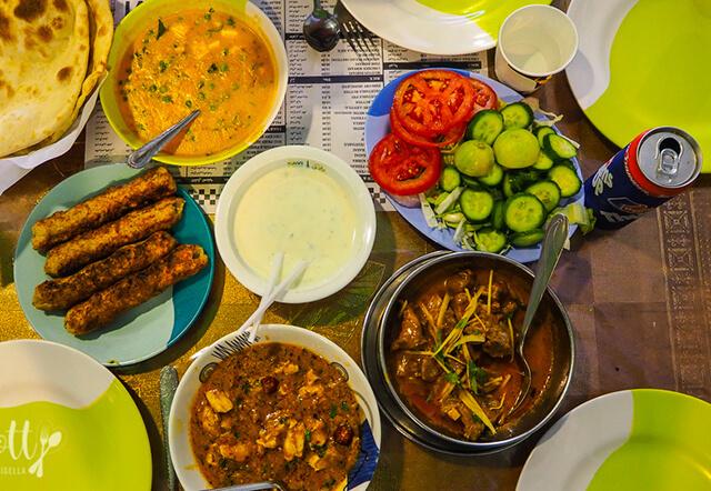 Các món ăn tại Ravi Restaurant có mức giá khoảng 20 AED (khoảng 130.000NVD)