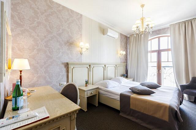 Khách sạn Arbat House Hotel