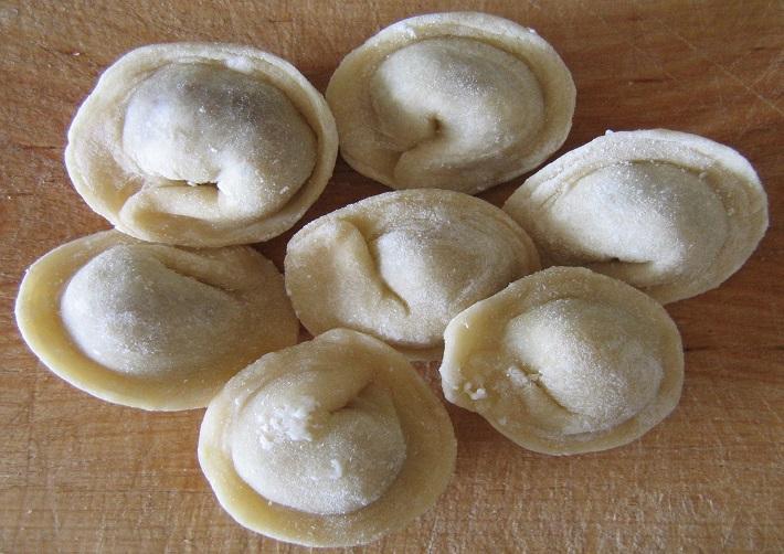 bánh Pelmeni ở Nga