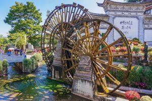Bánh xe nước lớn - Điểm check-in tuyệt đẹp ở Lệ Giang