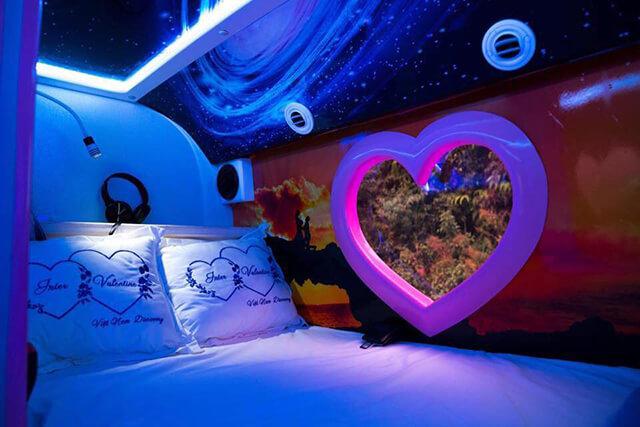 Xe Limousine cabin đôi sẽ là lựa chọn du lịch Sapa tuyệt vời cho các cặp đôi yêu nhau
