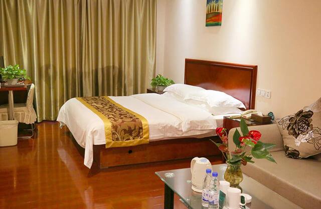 Không gian phòng ốc của khách sạn Green Tree Inn ở Quý Châu, Trung Quốc
