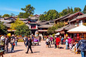 Khám phá phố buôn bán Đường Tứ Phương trong tour Lệ Giang