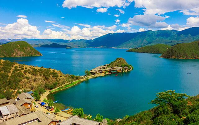 Vẻ đẹp tươi mát, trong xanh như tranh tại Hồ Lư Cô (Lugo Lake)