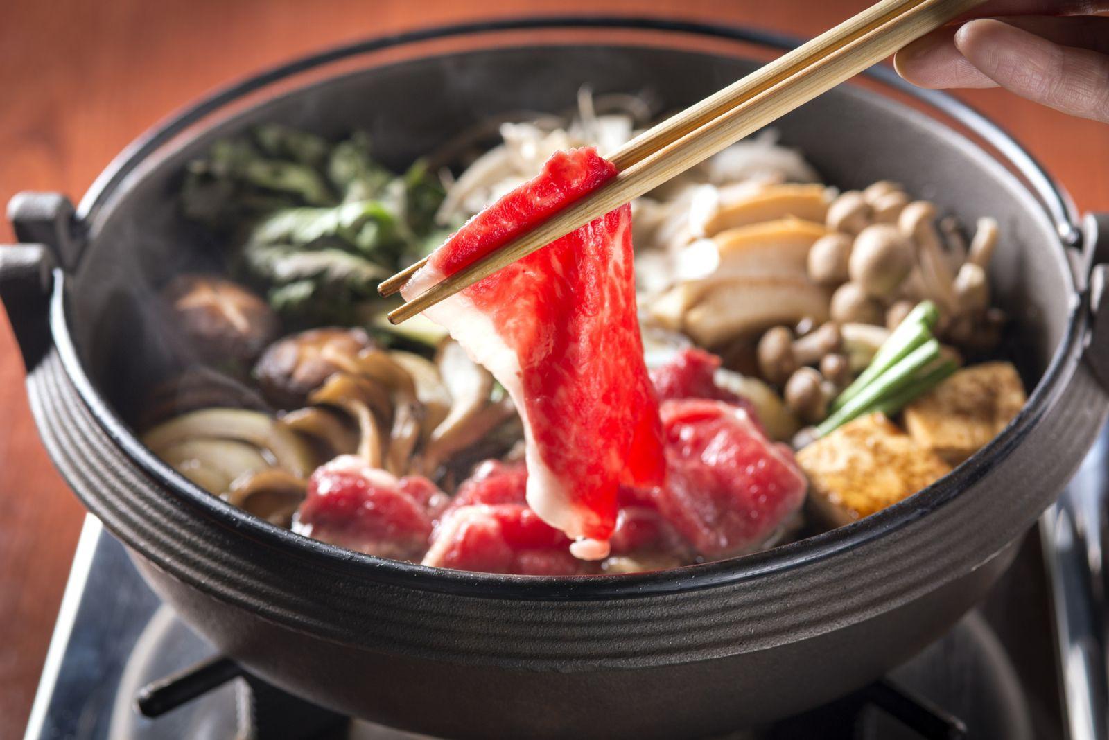 Món Sukiyaki từ thịt bò