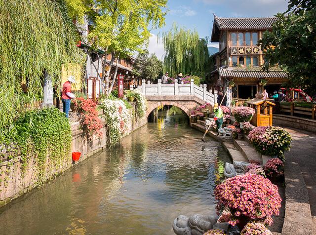 """Lệ Giang cổ trấn là trấn cổ đẹp nhất nhì ở Trung Quốc, được mệnh danh là """"Vernice phương Đông"""""""