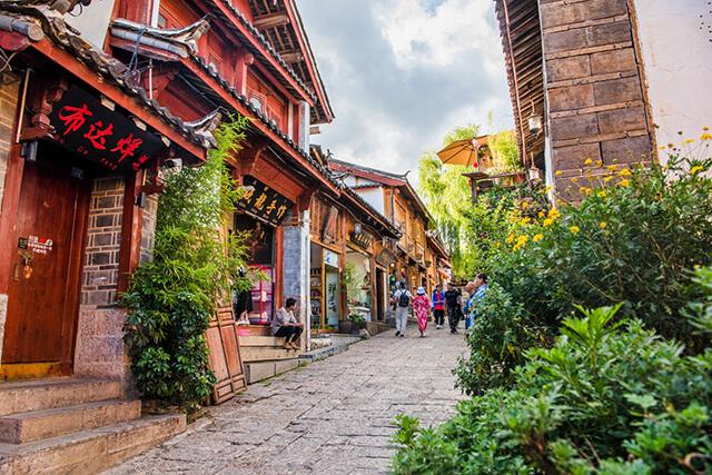 """Cổ trấn Lệ Giang chính là nơi sinh sống của người Nạp Tây - """"Nữ nhi quốc"""" trong truyền thuyết"""