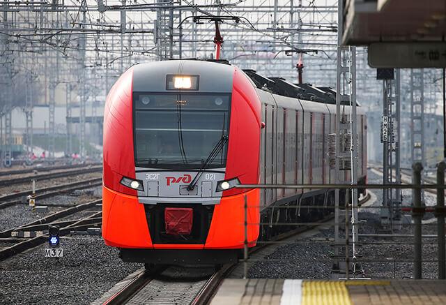 Sử dụng phương tiện công cộng như: tàu hỏa, xe buýt để tiết kiệm chi phí đi lại khi du lịch Nga