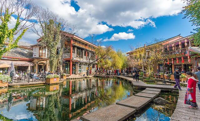 Thúc Hà cổ trấn nổi tiếng với khung cảnh đẹp thơ mộng như tranh vẽ