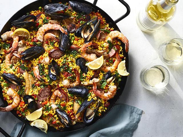 Du lịch châu Âu mùa hè đừng bỏ qua món Paella của Tây Ban Nha
