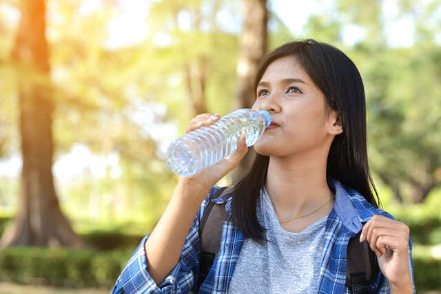 Hạn chế uống nước trước khi lên xe giường nằm đi tour Sapa
