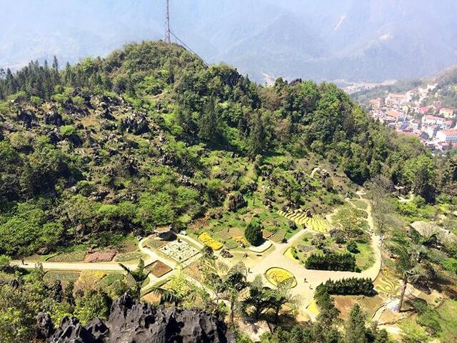 Núi Hàm Rồng, Sapa nổi tiếng với thảm thực vật đa dạng và nhiều tiểu cảnh đẹp