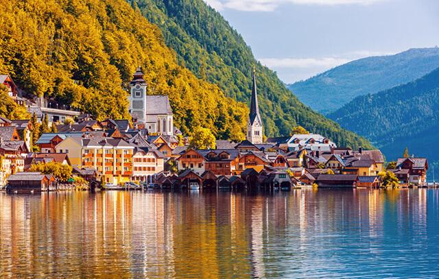 Phong cảnh và kiến trúc tuyệt đẹp của châu Âu luôn hấp dẫn bạn bè quốc tế