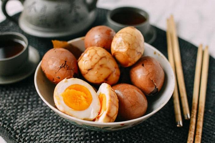 Trứng luộc nước trà