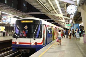 Du lịch Nhật Bản trải nghiệm hệ thống tàu điện ngầm