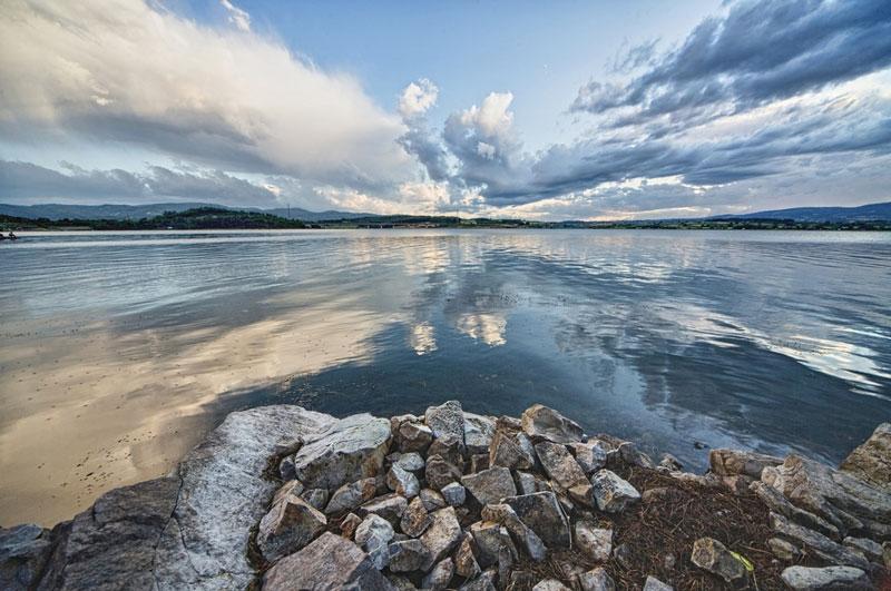 Hồ nước ngọt Toya