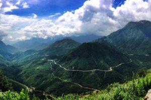 Săn mây trên đỉnh đèo Ô Quy Hồ khi đi du lịch Sapa
