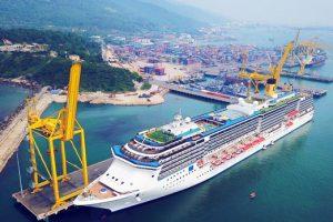 Khám phá cảnh đẹp tại Cảng Tiên Sa khi đi du lịch Đà Nẵng