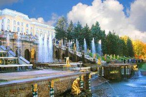 Đi du lịch Nga đừng quên ghé thăm cung điện màu hè