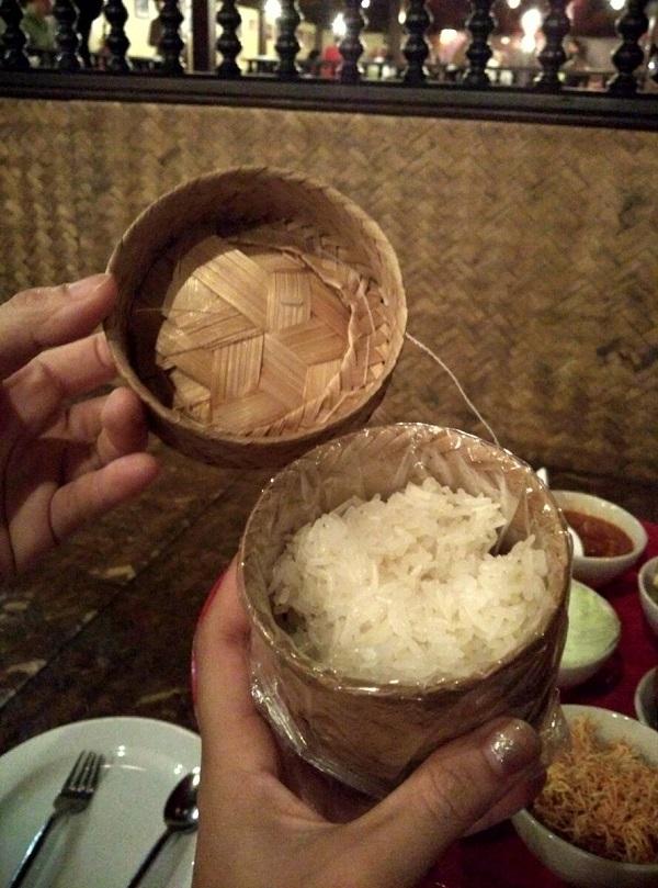 an-toi-kieu-khantoke-chiang-mai