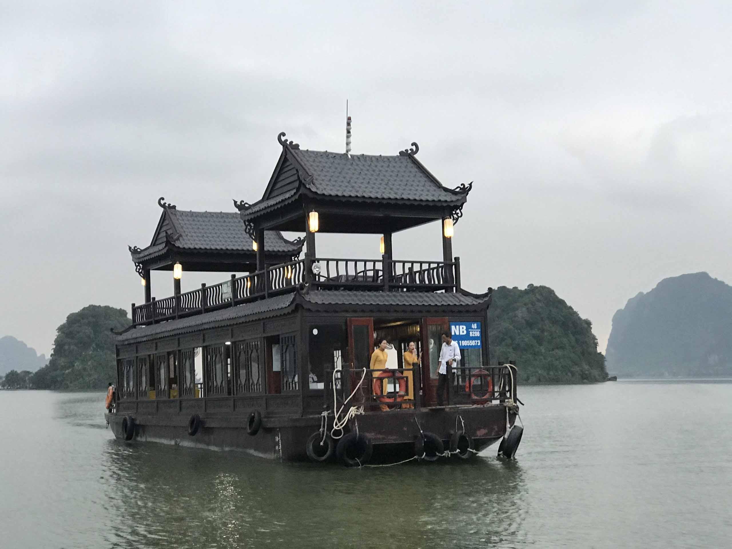 Trải nghiệm du thuyền ở Tam Chúc