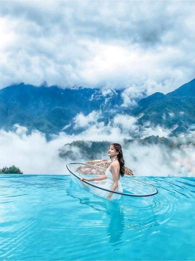 Bể bơi vô cực giữa không trung siêu xịn
