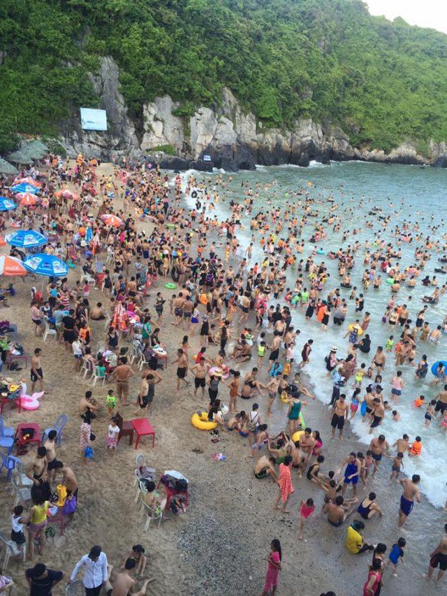 Du lịch Cát Bà tắm mát ở bãi biển Cát Cò 1