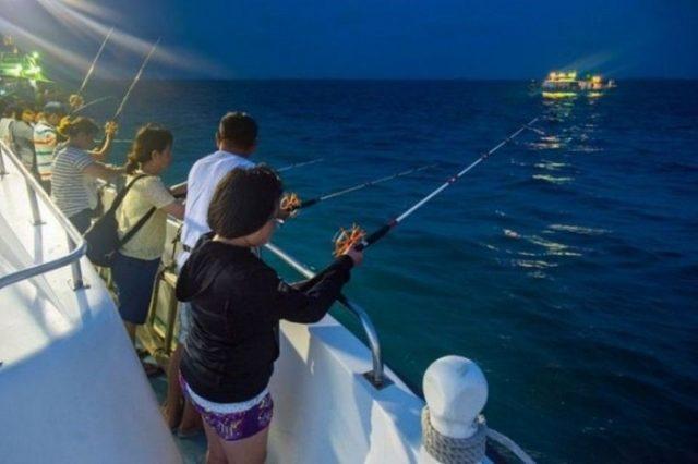 Du lịch Phú Quốc trải nghiệm câu cá, mực đêm